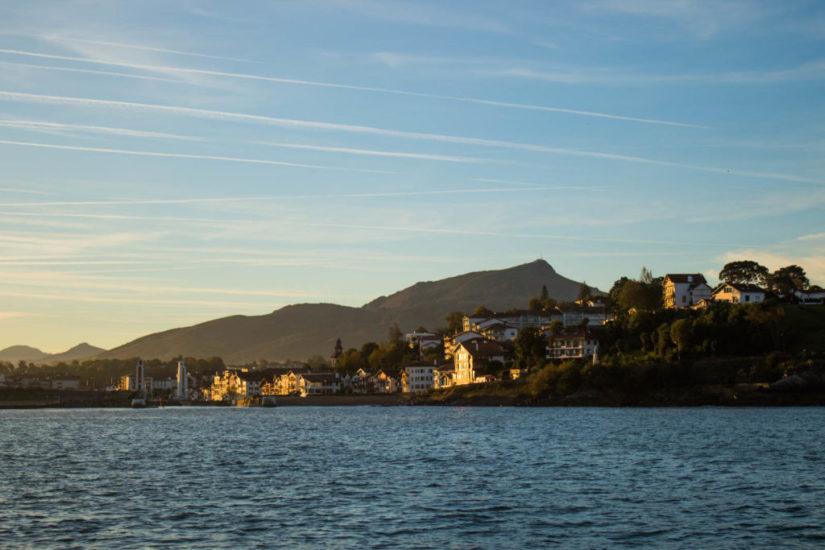 Quoi faire au Pays Basque : une balade en mer sur l'Atlaya avec Explore Océan