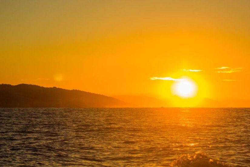 Coucher de Soleil Pays Basque, coucher de soleil, sortie coucher de soleil, à voir à faire au Pays Basque, activités Pays Basque, loisirs Pays Basque, en mode basque, côte basque, excursion en mer Pays Basque, excursion en mer, balade en bateau Pays Basque, sortie en mer Pays Basque, bateau Pays Basque, catamaran Pays Basque, bateau, catamaran, vacance au Pays Basque, quoi faire au Pays Basque