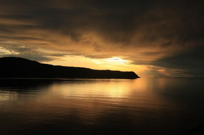 ecxurion en mer coucher de soleil excursion en bateau cote basque